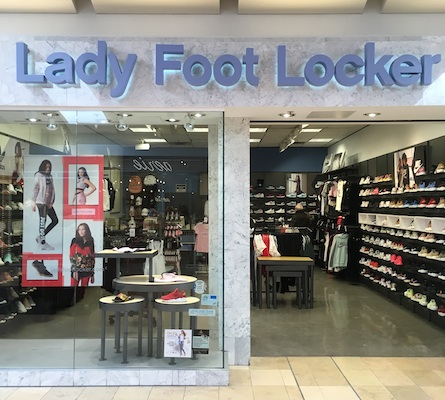 1608f8c9e152d Lady Foot Locker store front